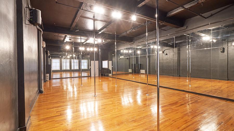 Studio-B-with-Poles-2