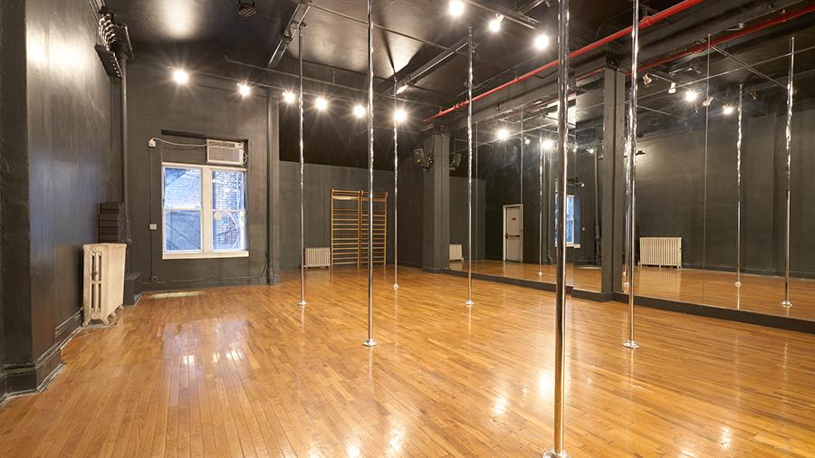Studio-D-with-Poles